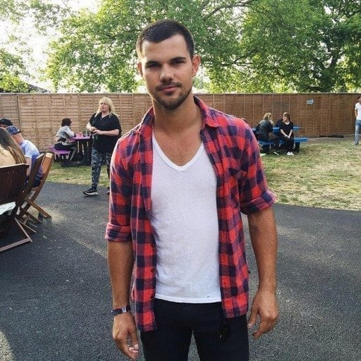taylor lautner facts