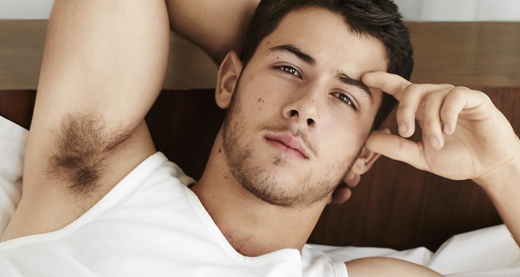 nick jonas brown eyes