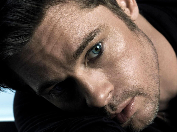 brad pitt eyes face hot