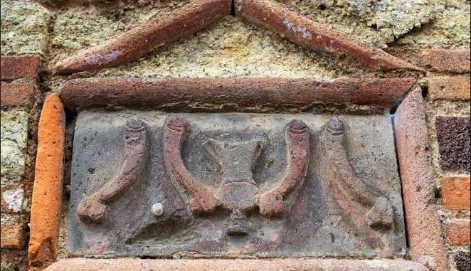 roman penis sculture