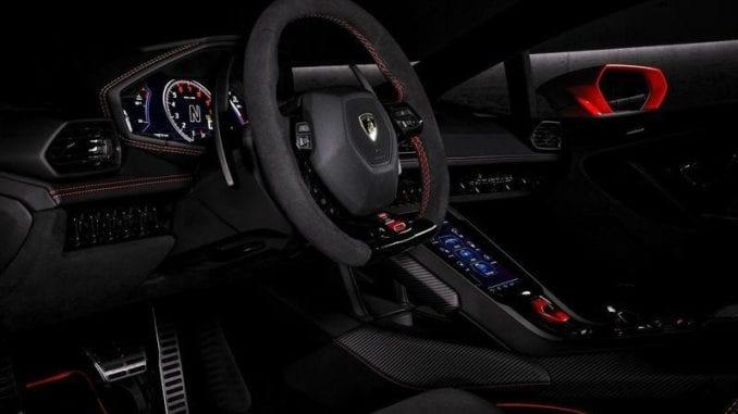 Lamborghini Huracán EVO interior