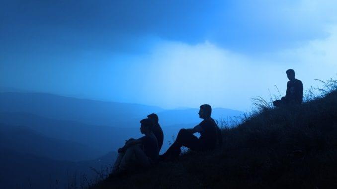 cliff-friends-clouds